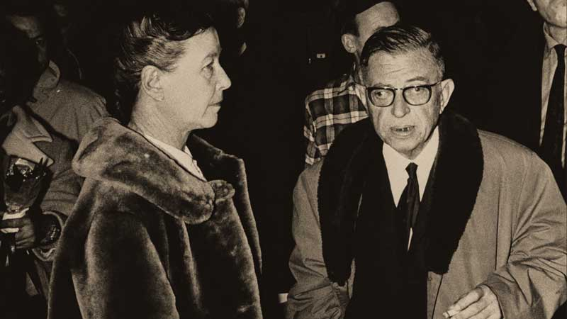 Sartre, with long-time companion, French feminist and writer, Simone de Beauvoir.