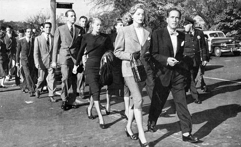 Bacall and Bogart leading the anti-HUAC march in 1947.