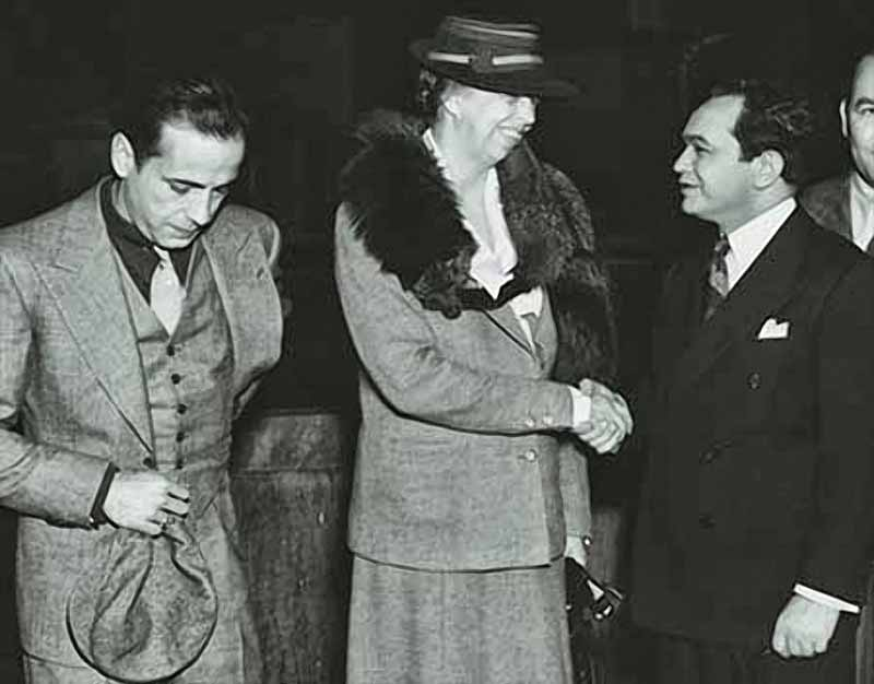 Humphrey Bogart and Edward G Robinson met Eleanor Roosevelt, probably on the set of The Amazing Dr Clitterhouse (1938).